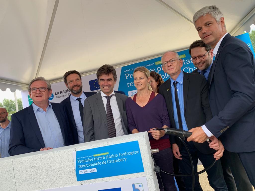 Première pierre de la station hydrogène de Chambéry en présence de Laurent Wauquiez, président de la région Auvergne-Rhône-Alpes